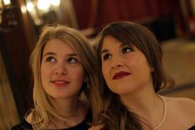 Viktoria Pohl und Bettina Langmann